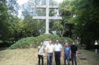 Российские художники и настоятель церкви  города Ришновце